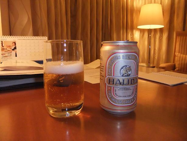 ホテルに着いて一杯
